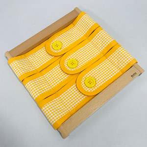 Infant Dressing Frame: 3 Buttons Closure